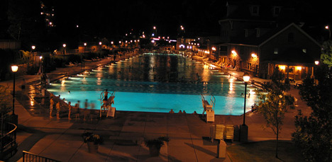 glenwood springs hot spring at night